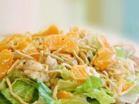 Салат из курицы с апельсином